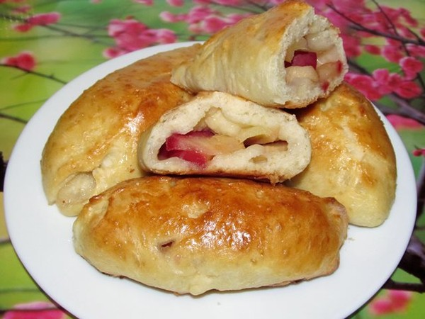 пирожки печеные с яблоками рецепт с фото