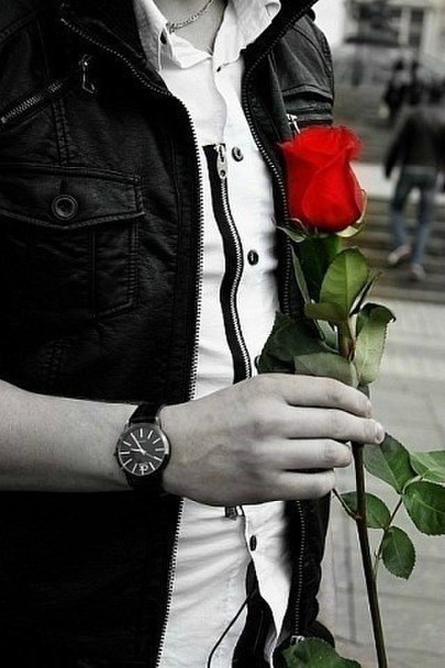 она зацепила парень с одной розой в руках фото сайте